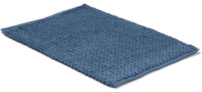 Blå rektangulär badrumsmatta.