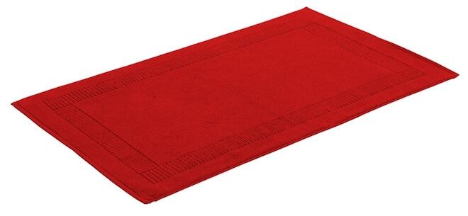 Röd badrumsmatta.