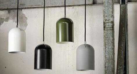 Svenskdesignade lampor i metall.